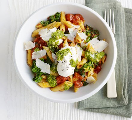 Cherry tomato, kale, ricotta & pesto pasta