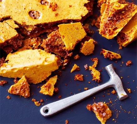 Shattered honeycomb with toffee hammer