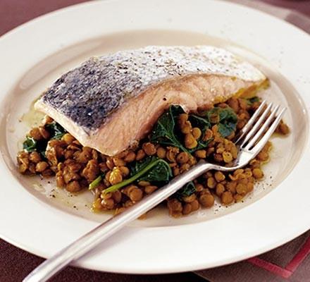 Spicy salmon & lentils