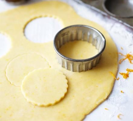 Orange pastry mince pies