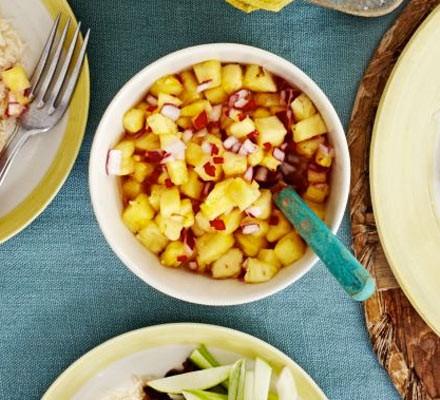 Sweet pineapple & chilli chutney