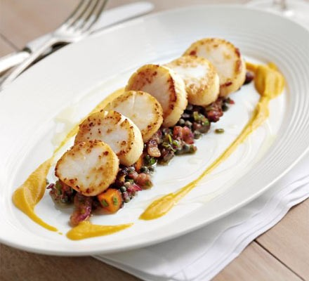 Pan-fried scallops with butternut squash two ways