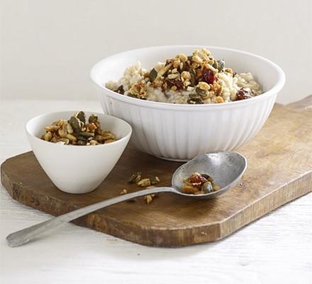 Maple granola crunch porridge topping