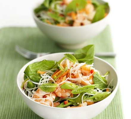 Crunchy prawn noodle salad