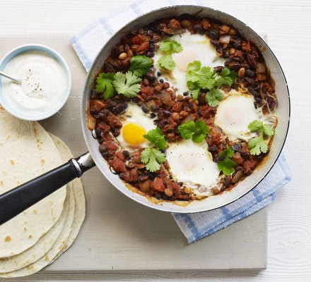 Chipotle bean chilli with baked eggs