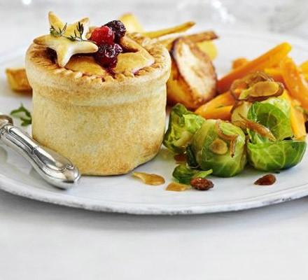 Individual Christmas pies