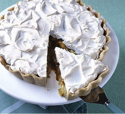 Gooseberry meringue tart