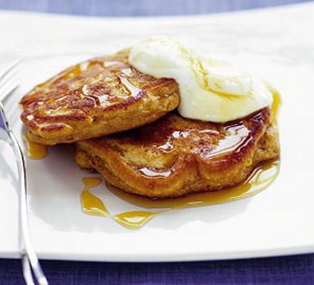 American-style pineapple & banana pancakes