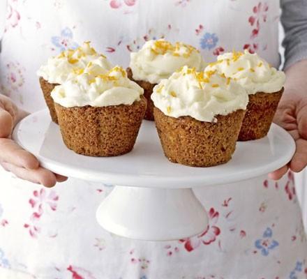 Carrot & cream cheese cupcakes
