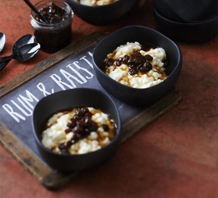 Chilled rum & raisin rice pudding
