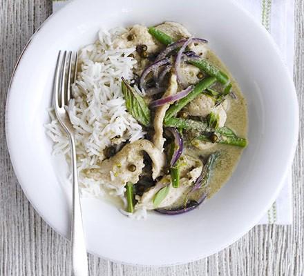 Speedy green chicken curry