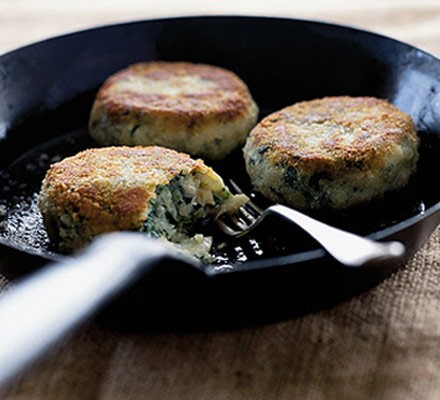 Smoked haddock, spinach & potato cakes