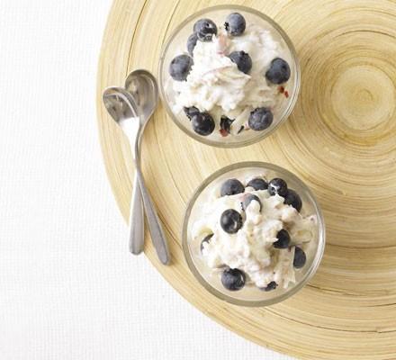 Blueberry bircher pots