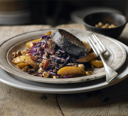 Warm salad of red cabbage, black pudding & apple