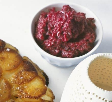 Beetroot & horseradish purée
