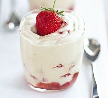 Strawberry & rosewater mousse