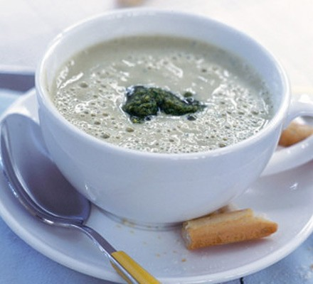 Frothy cannellini soup