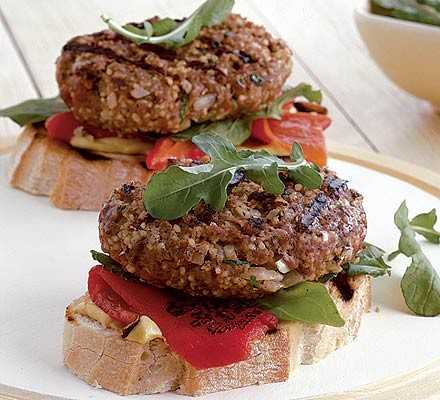 Leanburgers with rocket & peppers