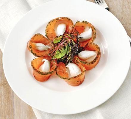 Citrus-cured salmon gravadlax