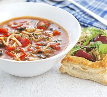 Spicy pasta soup