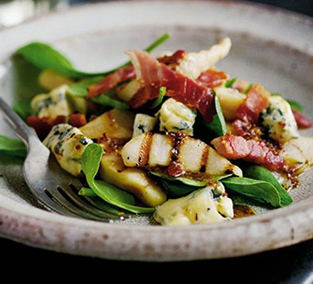 Warm stilton salad