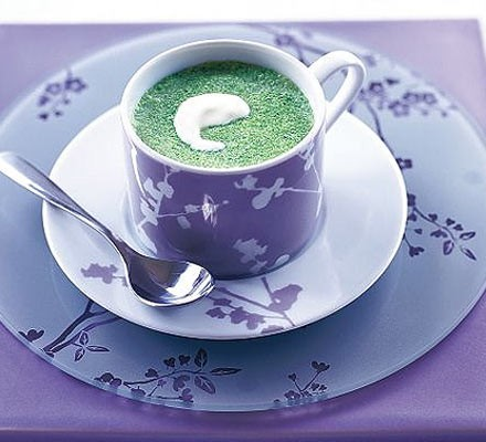 Creamy chilled basil, pea & lettuce soup