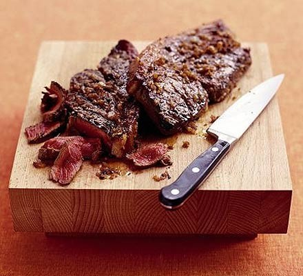 Sizzling steak with shallot marinade