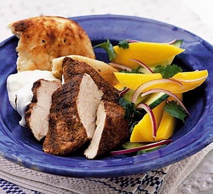 Spicy chicken with mango salad