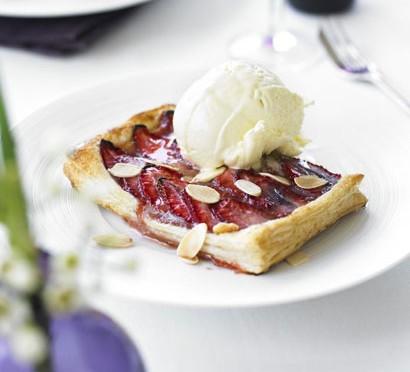 Individual strawberry & almond tarts