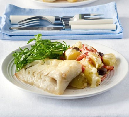 Grilled fish with new potato, red pepper & olive salad