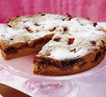 Strawberry & cinnamon torte