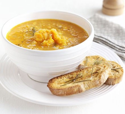 Sweet potato & rosemary soup with garlic toasts