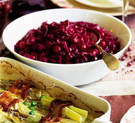 Jewelled cranberry & juniper red cabbage