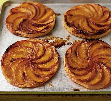 Squashed peach & almond tarts