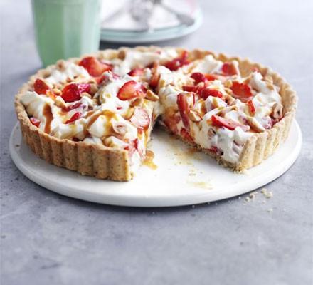 Strawberry hazelnut tart
