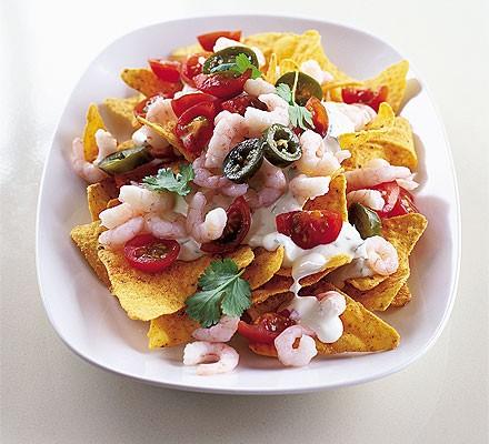 Summer nachos with prawns
