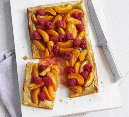 Apricot & raspberry tart