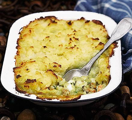 Spiced fish & mussel pie