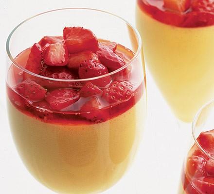 Chilled strawberry & Pimm's zabaglione