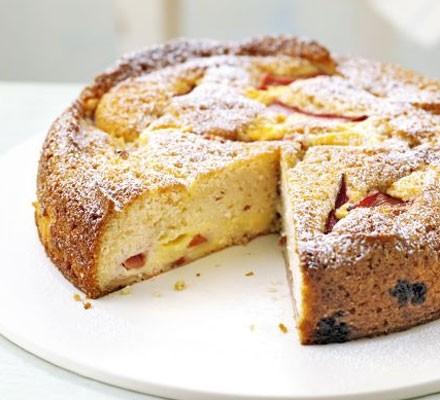 Rhubarb & custard cake