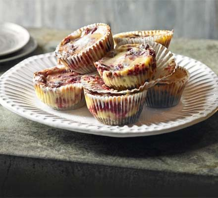 Cranberry ripple cheese-cupcakes_image