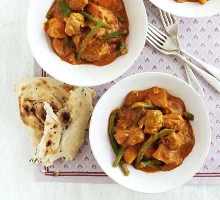 Chicken, potato & green bean curry