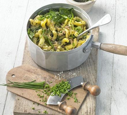 Pasta with pesto & fresh herbs