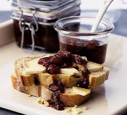 Laura's fruity chutney