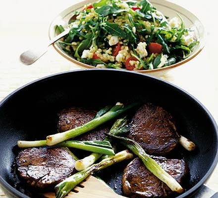 Seared steak with rocket & wheat salad