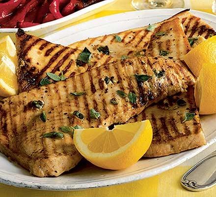 Pesce spada steccato e grigliato (Griddled garlic & mint studded swordfish)
