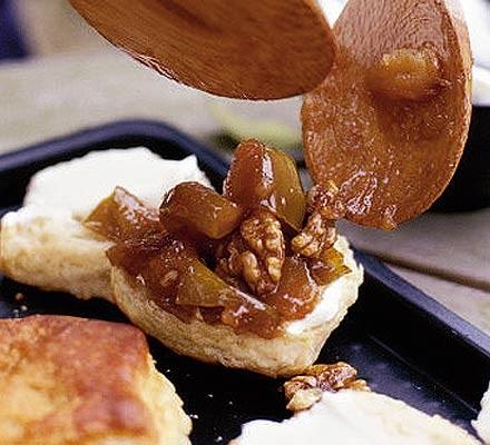 Apple & walnut marmalade