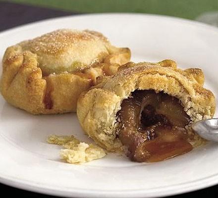 Toffee fig pies
