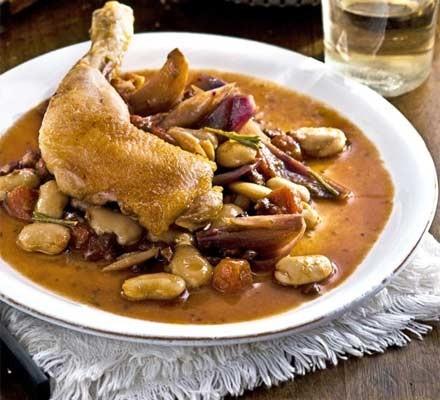 Crispy chicken with pancetta & butter beans