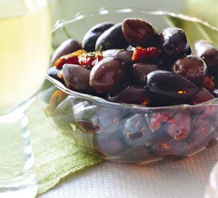 Rosemary-flavoured olives